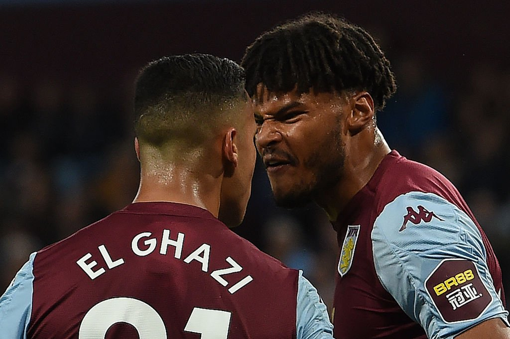 """""""Just watching that back, Anwar El Ghazi was a little bit fortunate.""""He definitely stuck his head into his team-mate.""""It might have been soft but if that had been an opponent, it would have triggered a red card demand I think.""""Live: http://bbc.in/2mhy2EJ#AVLWHU"""