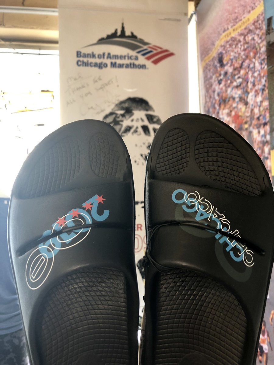 The limited addition 2019 #ChicagoMarathon #OOFOS are here! Get this year's style in time for pre-race recovery! Your feet will thank you after 26.2 miles! Unfortunately because it's limited addition, we can not take special orders. Come in and check them out!  #palosheights<br>http://pic.twitter.com/lAK4DPfasD