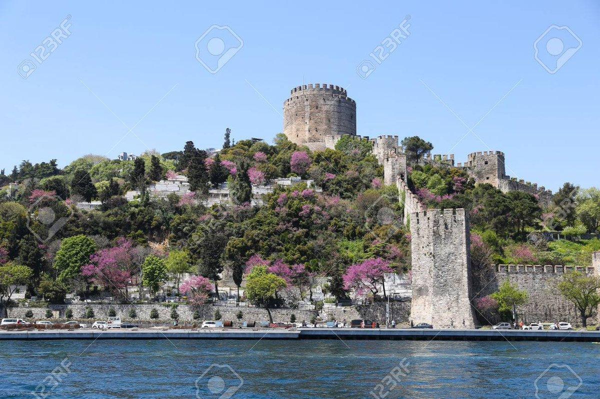RT @EstupidoShomer: @MarthaCajigas @TVale2012 Por cierto, maravilloso el Castillo Rumeli en el Bosforo turco. https://t.co/vt5LcGR0rx