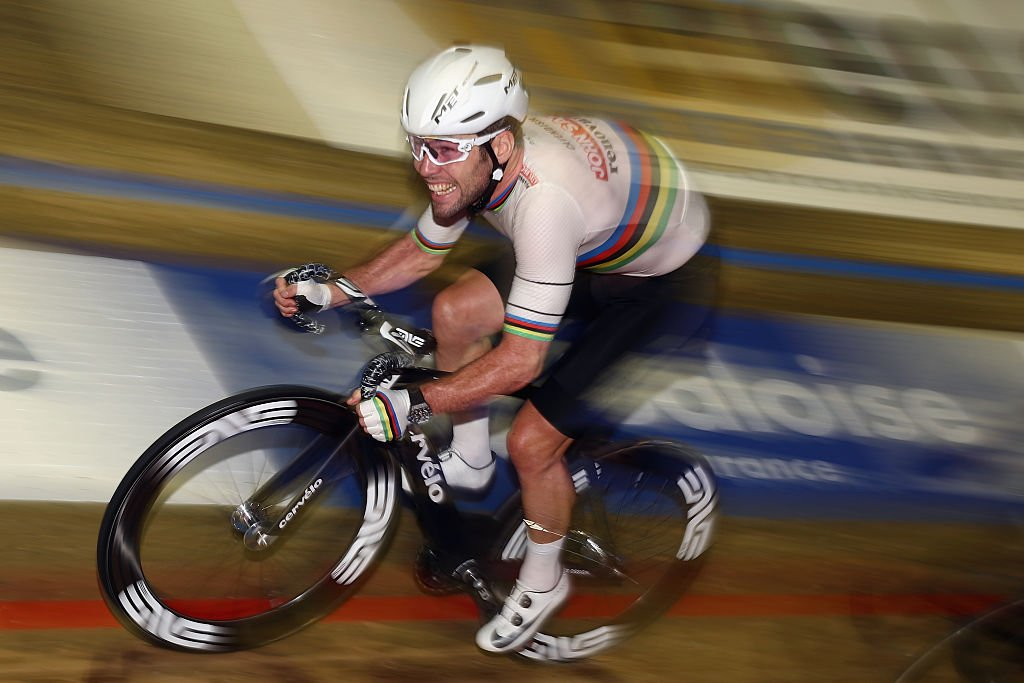 Mark Cavendish says he's still interested in racing at the #TOKYO2020 Olympics as he prepares to return to the track at Six Day London next month 🚴♂️In full: http://bit.ly/30lGfGu#SixDayLondon #cycling