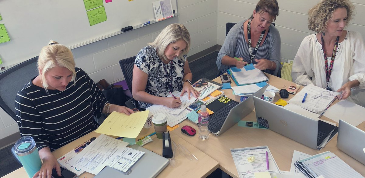 Teachers at Roosevelt Elementary @zeelandschools spent the day digging into Essential Instructional Practice #3 with a mission to outgrow their own practice around small group instruction! #MichiganLiteracy <br>http://pic.twitter.com/vmUZ2fOUfu