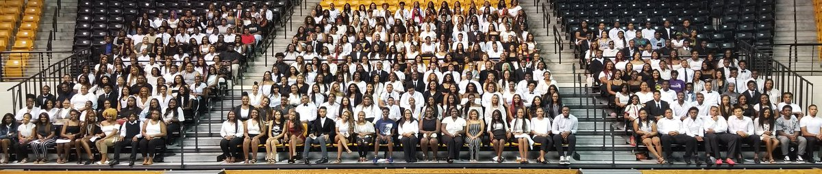 It dawned on me, that I never posted the #GramFam23 Class Photo from Rites of Passage! So #GramFam, I present to you the Grambling Freshman Class of 2019! Share, and feel free to find yourself! <br>http://pic.twitter.com/7ZCeAR4J3Z