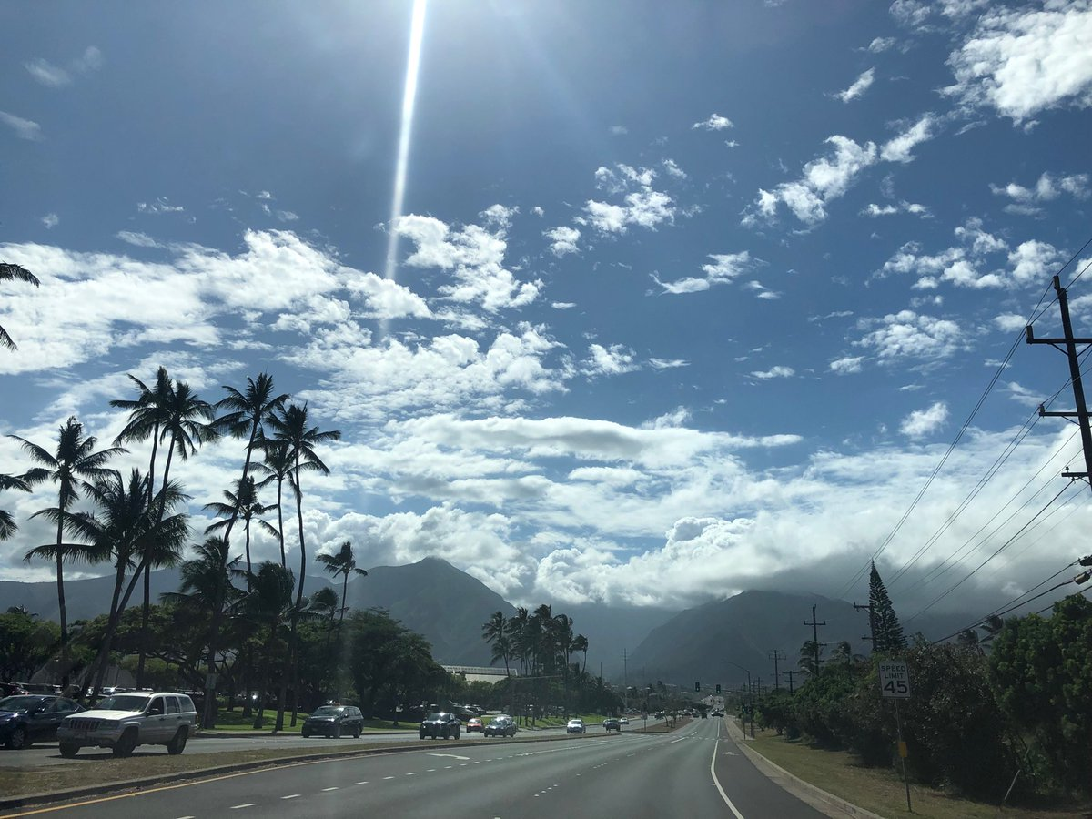 test Twitter Media - Claire in Kahului looking up to Wailuku. #cmweather #Maui https://t.co/rIHH9zYaFy