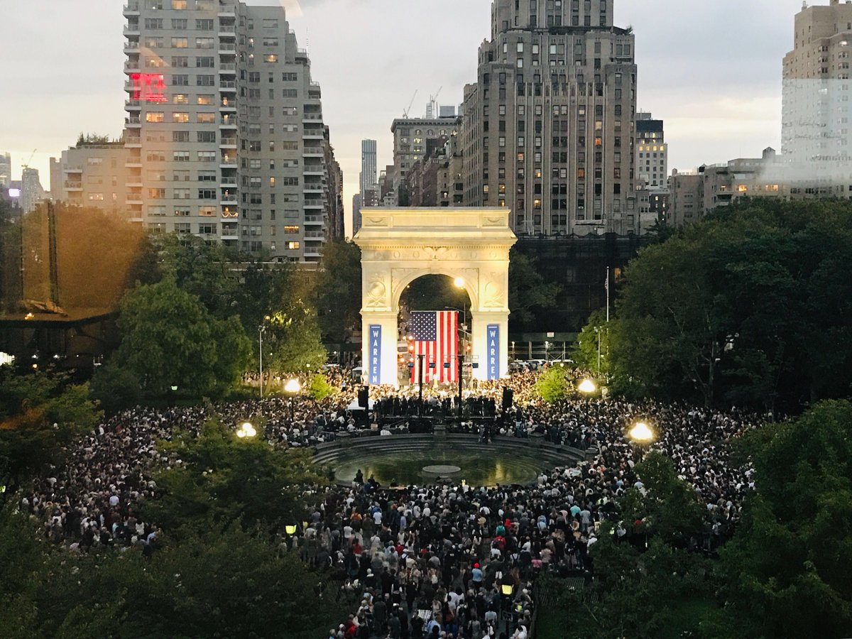 Thank you, New York City! Let's dream big, fight hard, and win. #WarrenNYC https://t.co/gPUhszRcOl