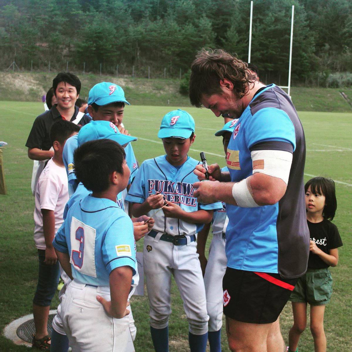 Sharing the love of the game with our fans around the world 🌏🇯🇵 #<a target=