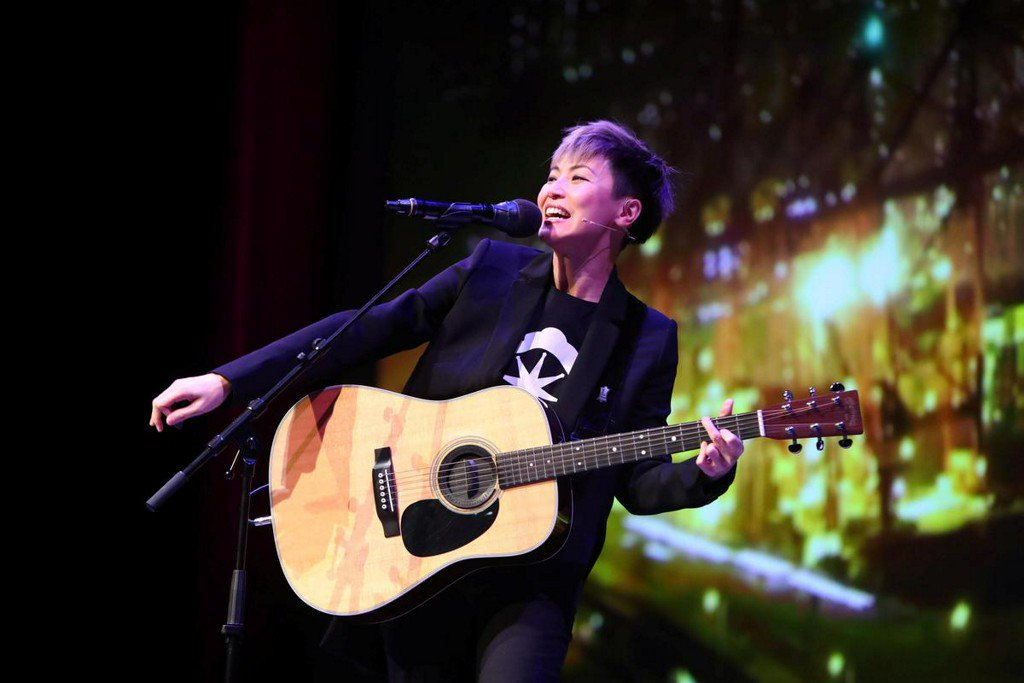 Stand up to Beijing, Hong Kong singer tells U.S. lawmakers, companies https://reut.rs/2IdvBLI