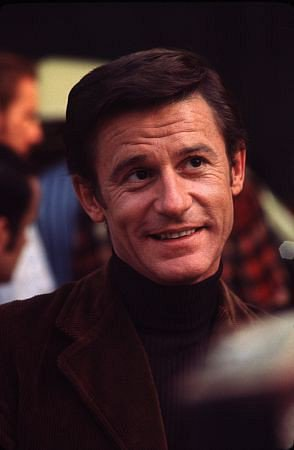 Happy Birthday to Roddy McDowall!  One of the many roles in his long and storied career was being  The voice of Jervis Tetch / The Mad Hatter on Batman: the animated series. Thank you for all the entertainment. You are missed. Born: September 17, 1928 Passed away: October 3, 1998 <br>http://pic.twitter.com/Nm2G2L0xrr