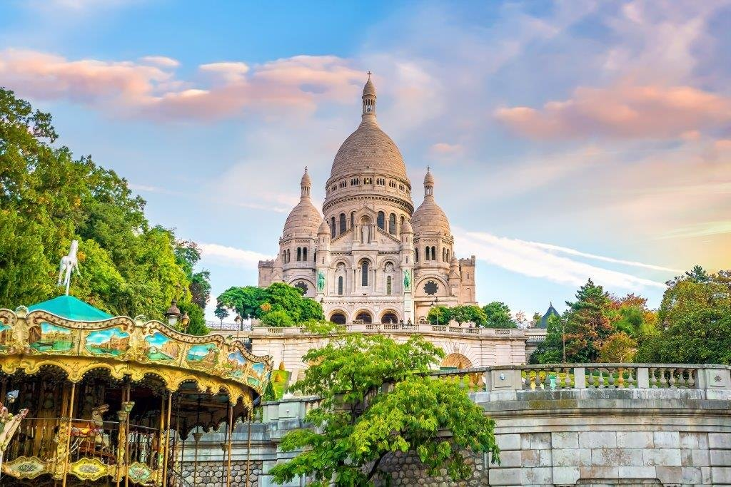 Montmartre early morning.  #Paris <br>http://pic.twitter.com/AIyI84nOjo