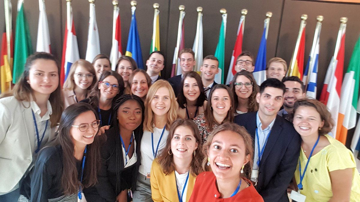 🎉🤩 We warmly welcome new group of trainees for this semester and wish them lots of success in the weeks and months to come! ❓ Would you like to pursue #EUtraineeship in February 2020? Submit your application by September 30 ➡️ cor.europa.eu/traineeship.t.…