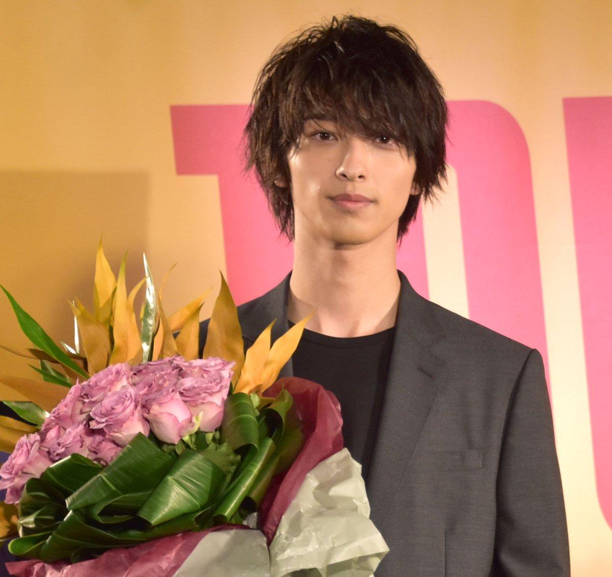 """横浜流星、23歳に🎂🎉「自分らしく、仕事に芝居に向き合っていけたら」💖『はじこい』""""ゆりゆり""""で話題に✨ピンク髪は「『ハゲてもいい』という気持ちで撮影していた」【📸ほか写真あり】#横浜流星 #カレンダー @ryusei_staff_mu"""