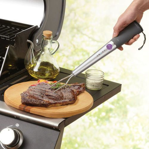 Stop cutting into your steaks, chicken and burgers. Our Chef's Fork Pro Digital Thermometer tells you when food is cooked perfectly. https://t.co/rF5LiA2kYp https://t.co/EgxRGazDi4