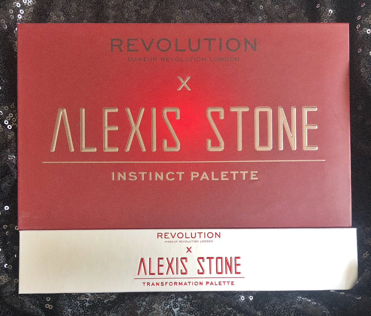 oh oops i just became obsessed. needed instinct from the get go but after seeing those shimmers in action i had to grab that too @MakeupRVLTN @ElliotRentz #RevolutionXAlexisStone pic.twitter.com/z5iDyRPnxg