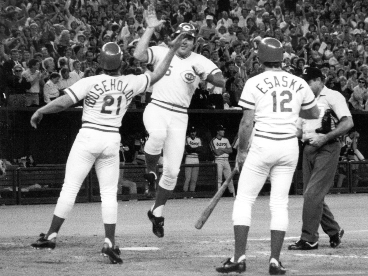 September 17, 1983: Johnny Bench slugs his 389th and final career home run on Johnny Bench Night at Riverfront Stadium. Because of course he did. #RedsVault https://t.co/U2eAqTetC2