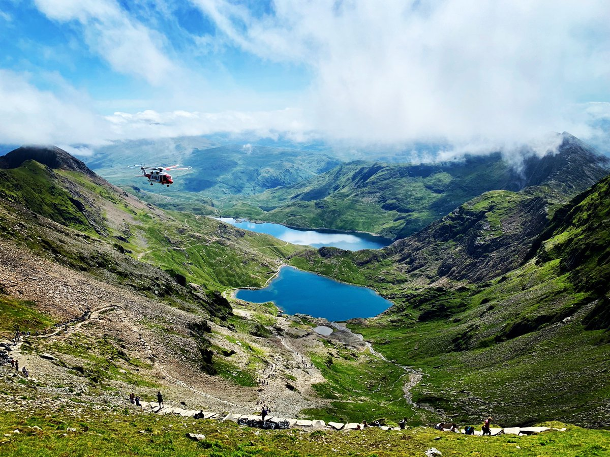 test Twitter Media - Who loves the view from Snowdon summit? 😍  #Snowdon #Snowdonia #Llanberis #NorthWales #TuesdayMotivation #TuesdayThoughts #Amazing https://t.co/t2nRguDfyy