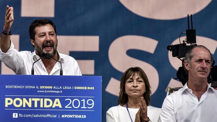 Zaia a Pontida vince la sfida con Salvini: trionfa...