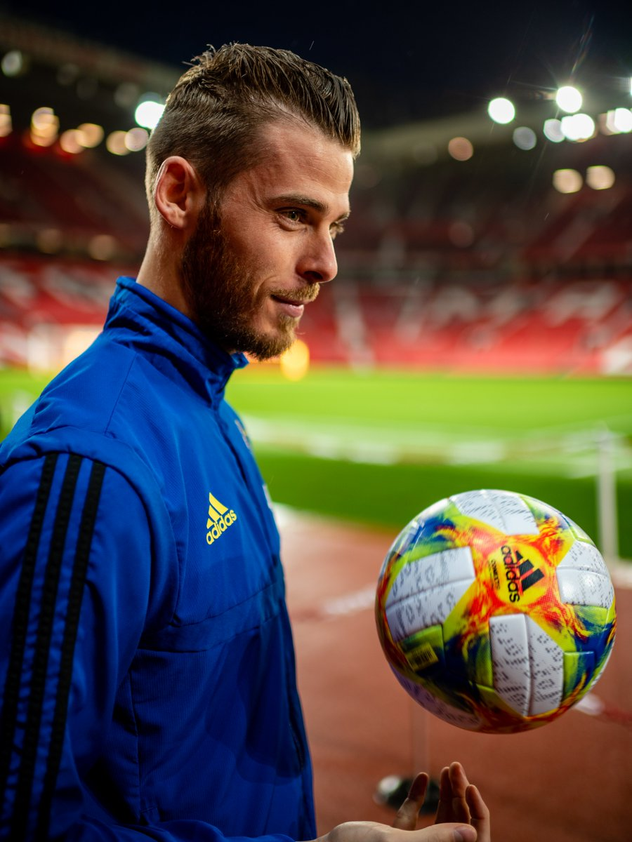 These shots 😍  Let's take a behind-the-scenes look at @D_DeGea's recent video shoot... #MUFC #DaveSaves