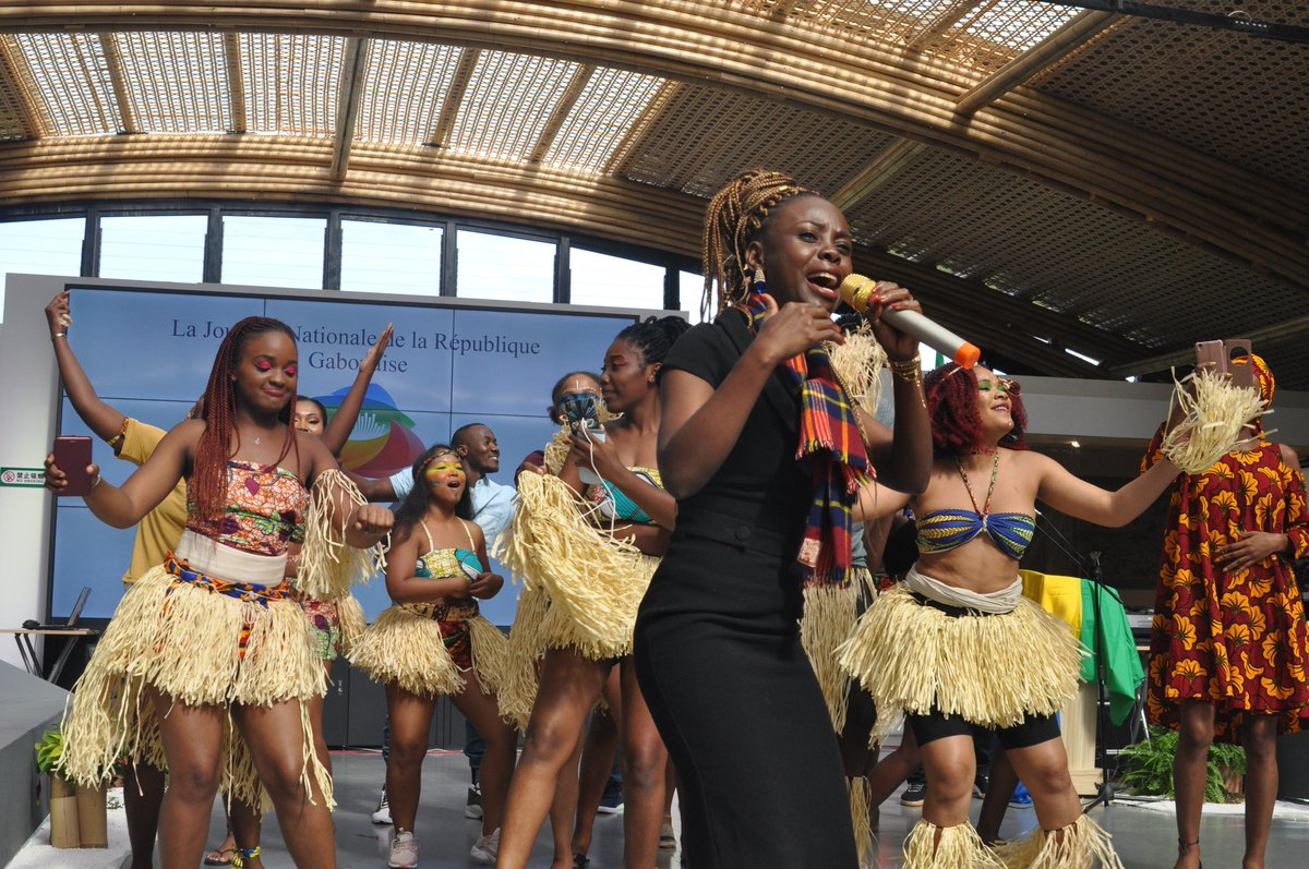 🇬🇦#Gabon National Day hosted at the #INBAR Pavilion at the 2019 #BeijingExpo was a treat for everyone - traditional Gabonese Music and dance performances really brought our #bamboo arches to life! 🎶💃#ThinkBamboo #Diplomacy