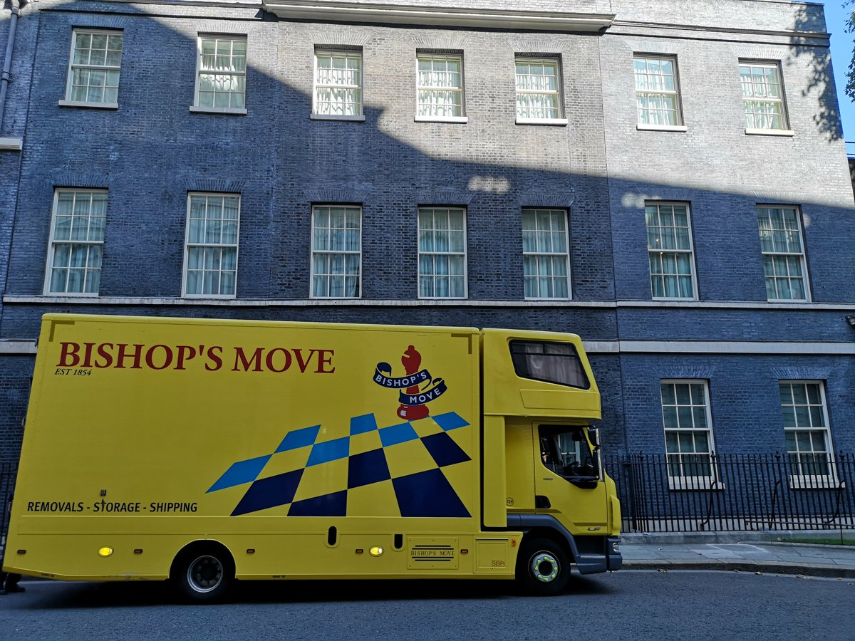The removal men back at Downing Street so soon? #Brexit