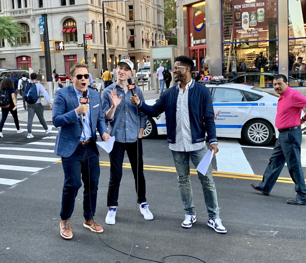 Think you can read @NFL highlights live on Tv with us?!?   This morning we went live from New York reading Streetlights with Nick from Cleveland • Huge @Browns fan.  Side note: my guy in the background is as cool as he wanna be 😏#OnlyInNewYork on @gmfb ✔️ https://t.co/hTaP9wbNaB