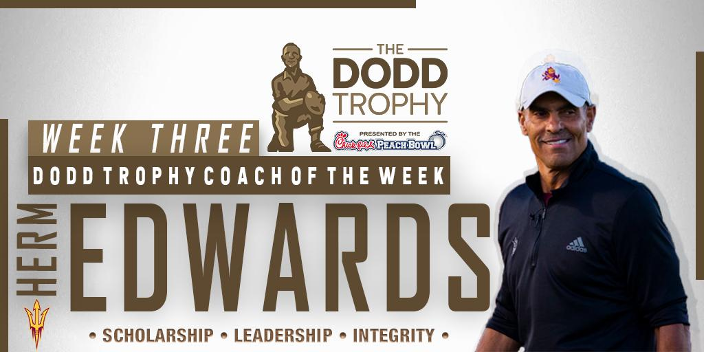 Congratulations @HermEdwards — our Dodd Trophy Coach of the Week! Edwards led @ASUFootball to a win at No. 18 Michigan State on Saturday. #ForksUp 🔱 📰 bit.ly/2lVm8QK