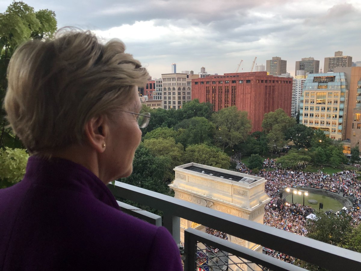 Throughout our history, Americans have been told that it wasn't possible to make big, structural change. But they didn't give up. They built grassroots movements—and they changed the course of American history. I believe we can do it again. Thank you, New York. #WarrenNYC https://t.co/VENIT5LuB1