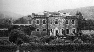 17 septembre 1928 :  Accord d'Achnacarry #CeJourLa #Histoire #Aujourdhui  http://www. themysticstaff.com/Cjl/Custom?uid =9651  …  Ug01<br>http://pic.twitter.com/3EPBimqO6r