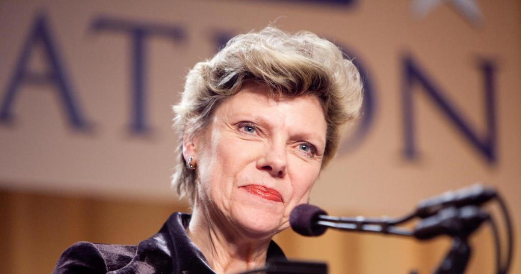 Cokie Roberts, veteran political reporter, has died at age 75 cbsn.ws/30covlL