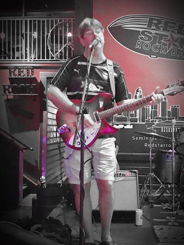 Dennis Jamming the night away in Tampa Florida!!! #Livemusic #JamNight <br>http://pic.twitter.com/MnYWOZoVHO