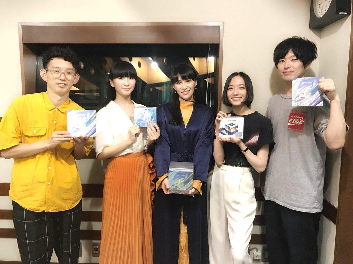 """#TOKYOFM でのPerfumeワンデー、そして「SCHOOL OF LOCK!」をお聴き下さいました皆さま、ありがとうございました!!日付変わってベストアルバム「Perfume The Best """"P Cubed""""」の発売日がやってきました!!ついに!!一人でも多くの方に届きますように☆#SOL #prfm #PCubed #PrfmBest"""