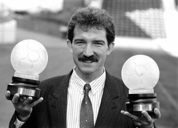 🗓 September 1988 6 wins out of 6 in all competitions and some fine performances meant that Rangers player manager Graeme Souness was the first person to be awarded both the Player & Manager of the Month award by the league sponsors.