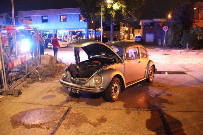 Autobrand valt mee in Poeldijk. Volkswagen kever heeft wel schade opgelopen. https://t.co/QPGzatzdEF