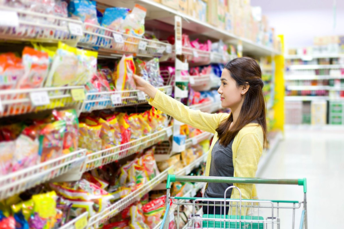 Did you know that impulse buying is less likely when shopping alone? #lifetips #savemoney   http:// cpix.me/a/81441363     <br>http://pic.twitter.com/FB7cthuXJM