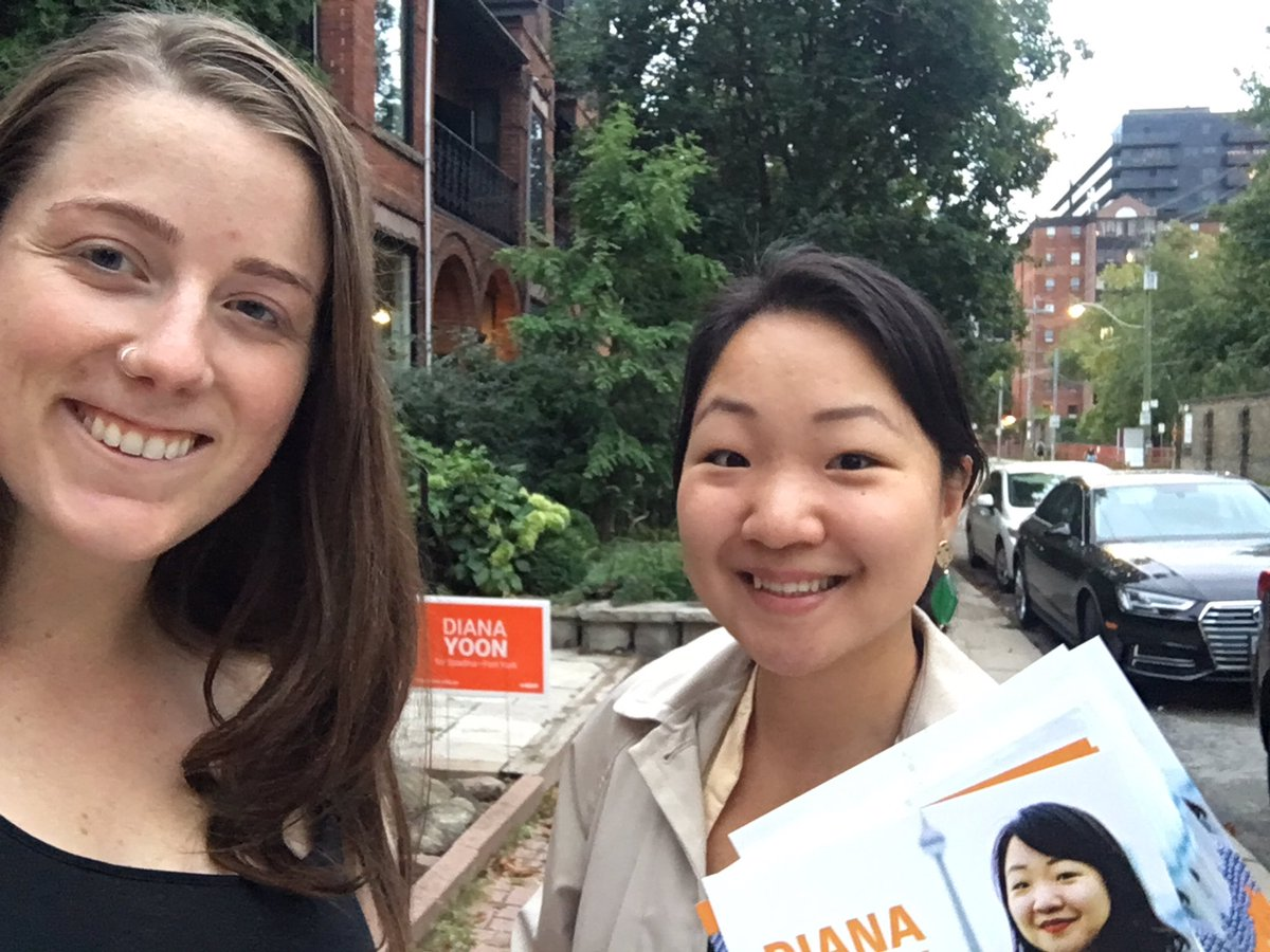 Today we talked to a woman who works in mental health - who was surprised and excited to hear that the NDP would expand our universal healthcare coverage to include #mentalhealth services, dental care, and pharmacare.  Thanks Kyela, Harriet, and Daniel for canvassing!  #SpaFY <br>http://pic.twitter.com/VRVJxfgvEQ