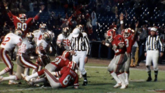 .@AtlantaFalcons QB Steve Bartkowski threw it up...  Billy Johnson SOMEHOW came down with it! 🙏  📺: NFL 100 GREATEST PLAYS | Continues FRIDAY at 8pm ET on @nflnetwork #