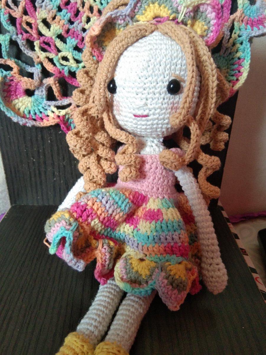 Amigurumi Cute Doll Free Crochet Pattern em 2020 | Boneca ... | 1200x900