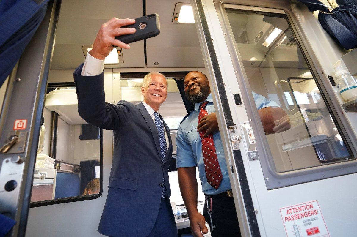 EEtJMPyXYAAcOyU?format=jpg&name=medium - Joe Biden the railroad President