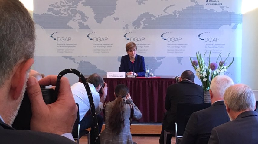 """Scotland is an outward-looking European nation with a strong relationship with Germany and we are committed to further developing cultural, economic and political links."" First Minister of #Scotland, @NicolaSturgeon, sends a message across the EU at the @dgapev press conference."