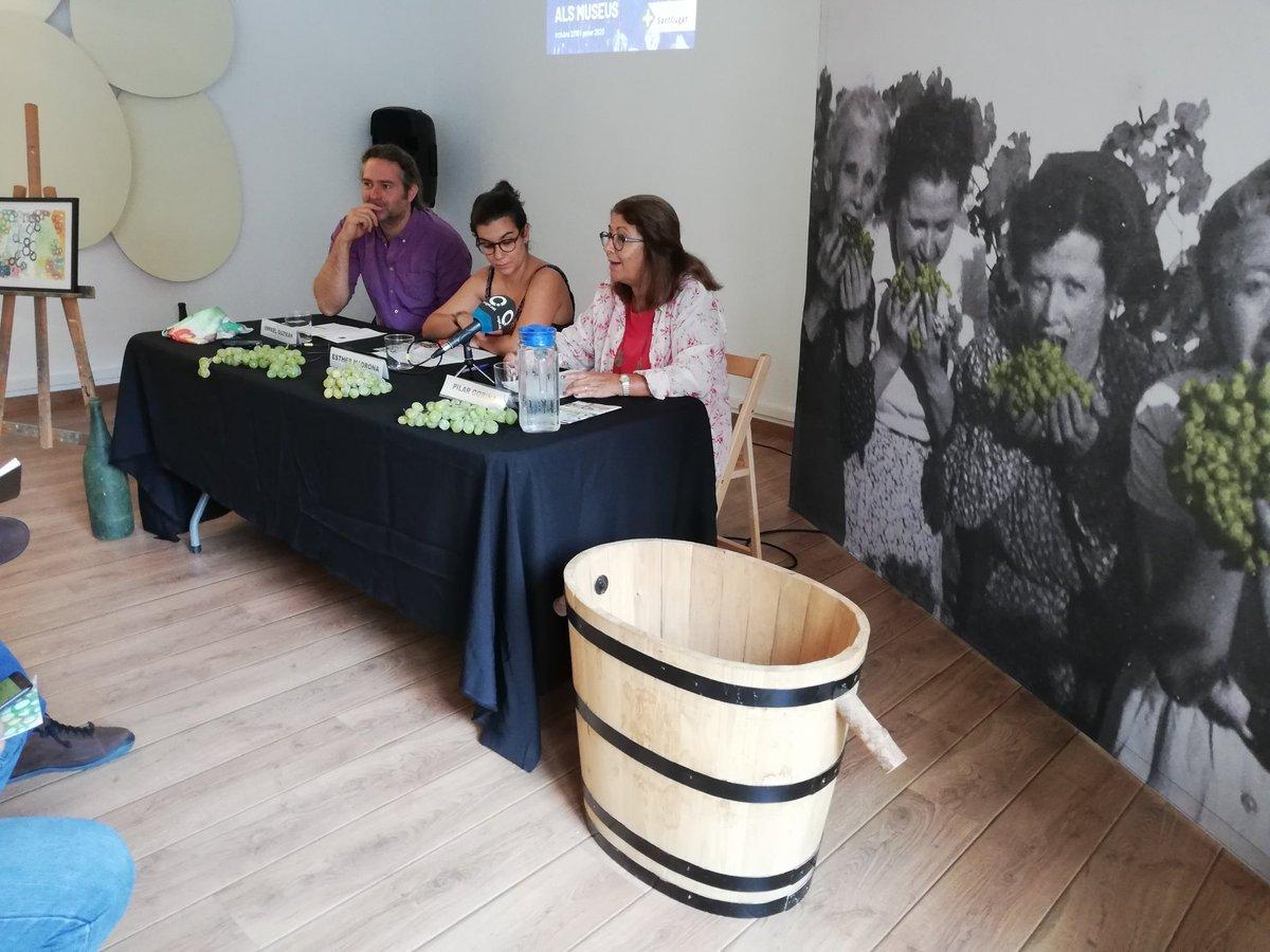 Presentació de la 2a Fira de les Portadores, del 27 al 29 de setembre, amb activitats lúdiques i originals per reviure el passat vitivinícola de #SantCugat 🍇 @EstherMadrona @pgorina1 @Museusstc @tallermoragas