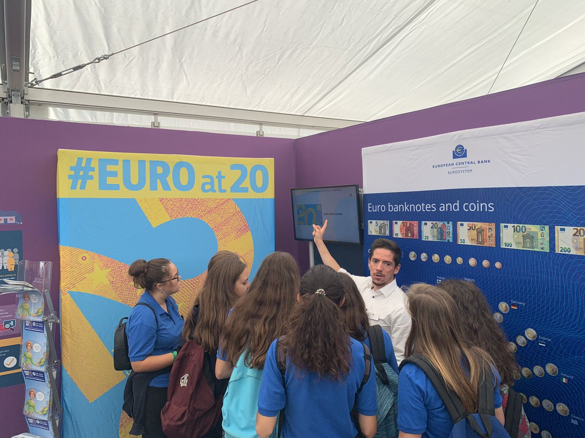Ben from the @ecb is here at our stand talking about all things banknotes #euroat20 #Ploughing19