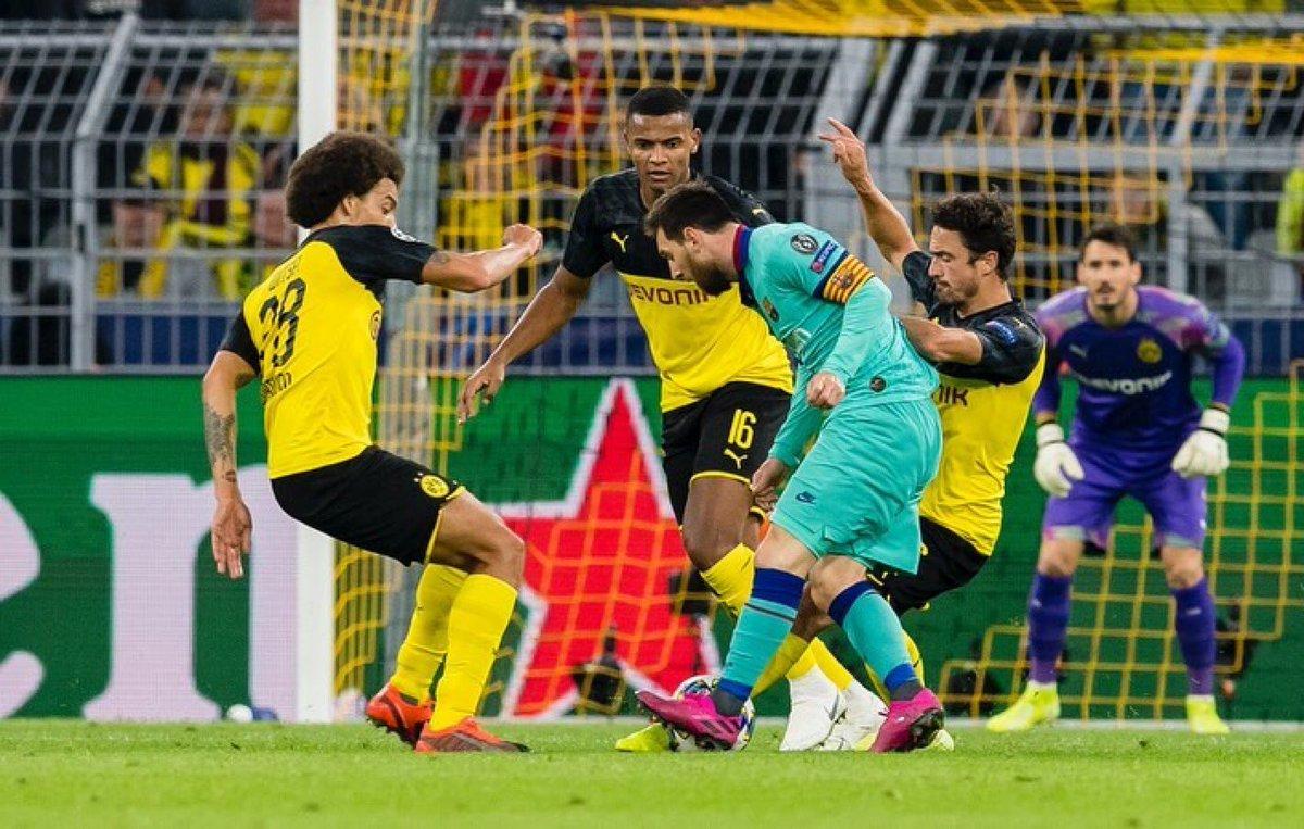 @axelwitsel28's photo on Messi