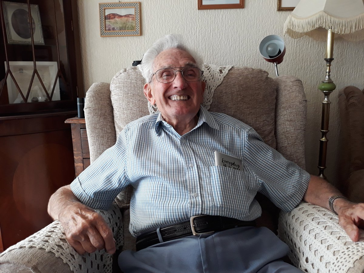 """As I came down at Ginkel Heath I was shot. It was a bit disconcerting as my elation of arriving was squashed when I realised that I couldn't move my leg."" John Jefferies has added his thoughts to our #VoicesOfLiberation project: ow.ly/ScNO50wdy75 #Arnhem75 #MarketGarden75"