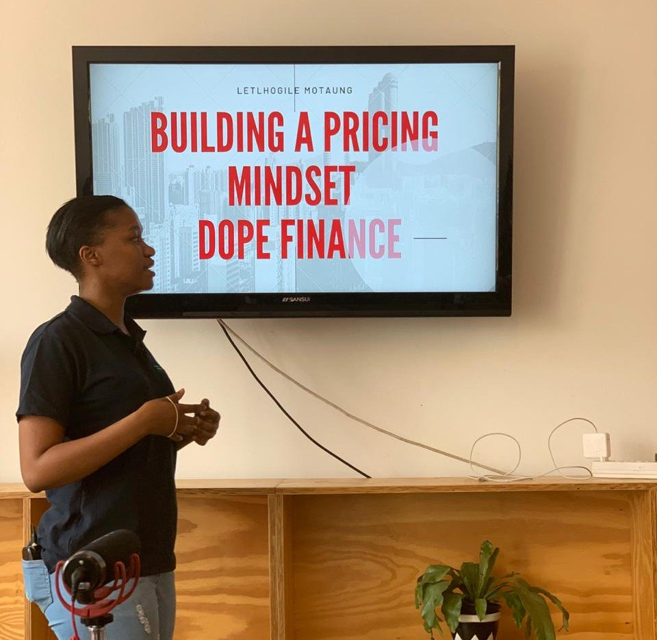 As promised, we're hustlin' and flowing with a #dopefinance mindset. Don't stress if you missed today's #hubhustle! All of the fly videos from this series will be available to members of the http://impacthubjoburg.community  platform! Memberships will be available this month! #thehubhustlepic.twitter.com/t6EXixSr6U