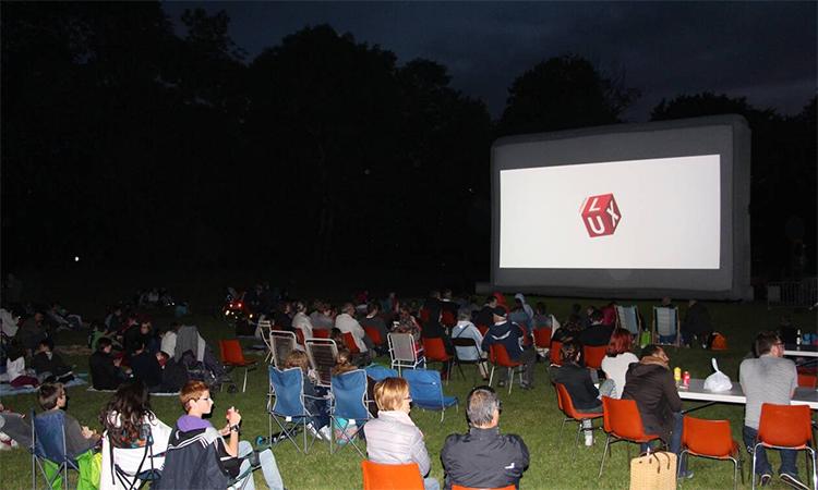⚠️Grande nouveauté cette année :Deux projections en plein air : Le 20 septembre à 20h00, venez revivre le film culte « Grease » Le 26 septembre à 20h00, le film de notre caennais légendaire ORELSAN « Comment c'est loin ». #FoiredeCaen #Cinéma #projection https://t.co/YsTSpxyPeU
