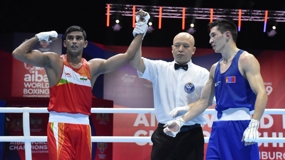 News Flash: Manish Kaushik assures India its 2nd medal in World Boxing Championships as he wins against Brazilian opponent by unanimous verdict (5:0) to enter Semis (63 kg).  #AIBAWorldBoxingChampionship