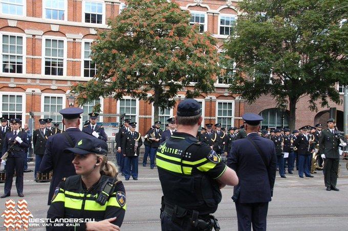Prinsjesdag 2019 goed verlopen voor politie https://t.co/Ws0m84t7Md https://t.co/pBEHxFoDGN