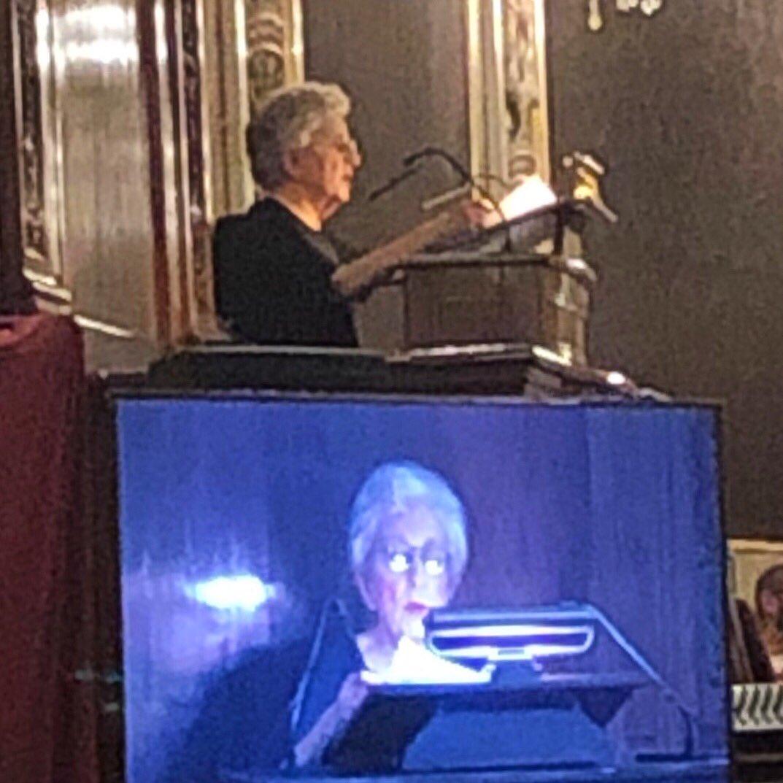 Escuchando a #TeresaDeLauretis, la madre de la #TeoríaQueer, en el Paraninfo de la @unicomplutense gracias al Máster #LGTBIQ. https://t.co/gS1bCvJRsr