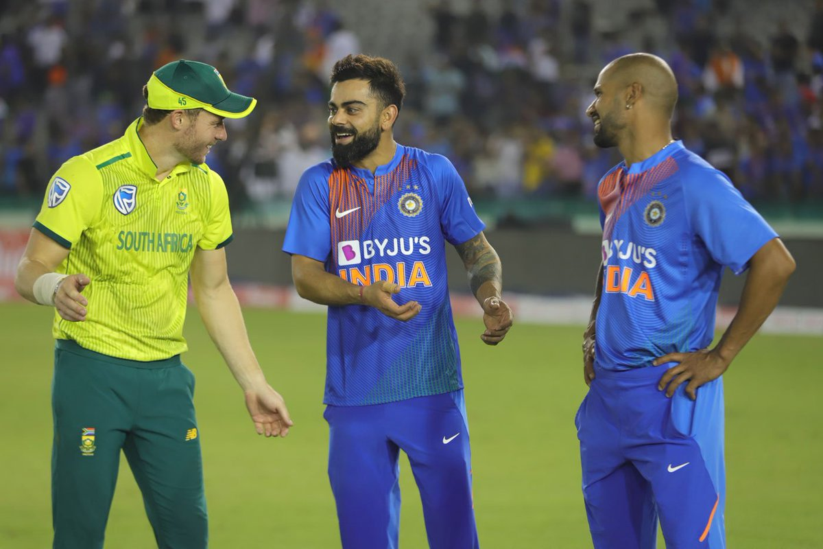 [#SpiritOfCricket] @imVkohli, @SDhawan25 & @DavidMillerSA12's discussion on that epic catch! 😁@BCCI @OfficialCSA #INDvSA #ViratGang