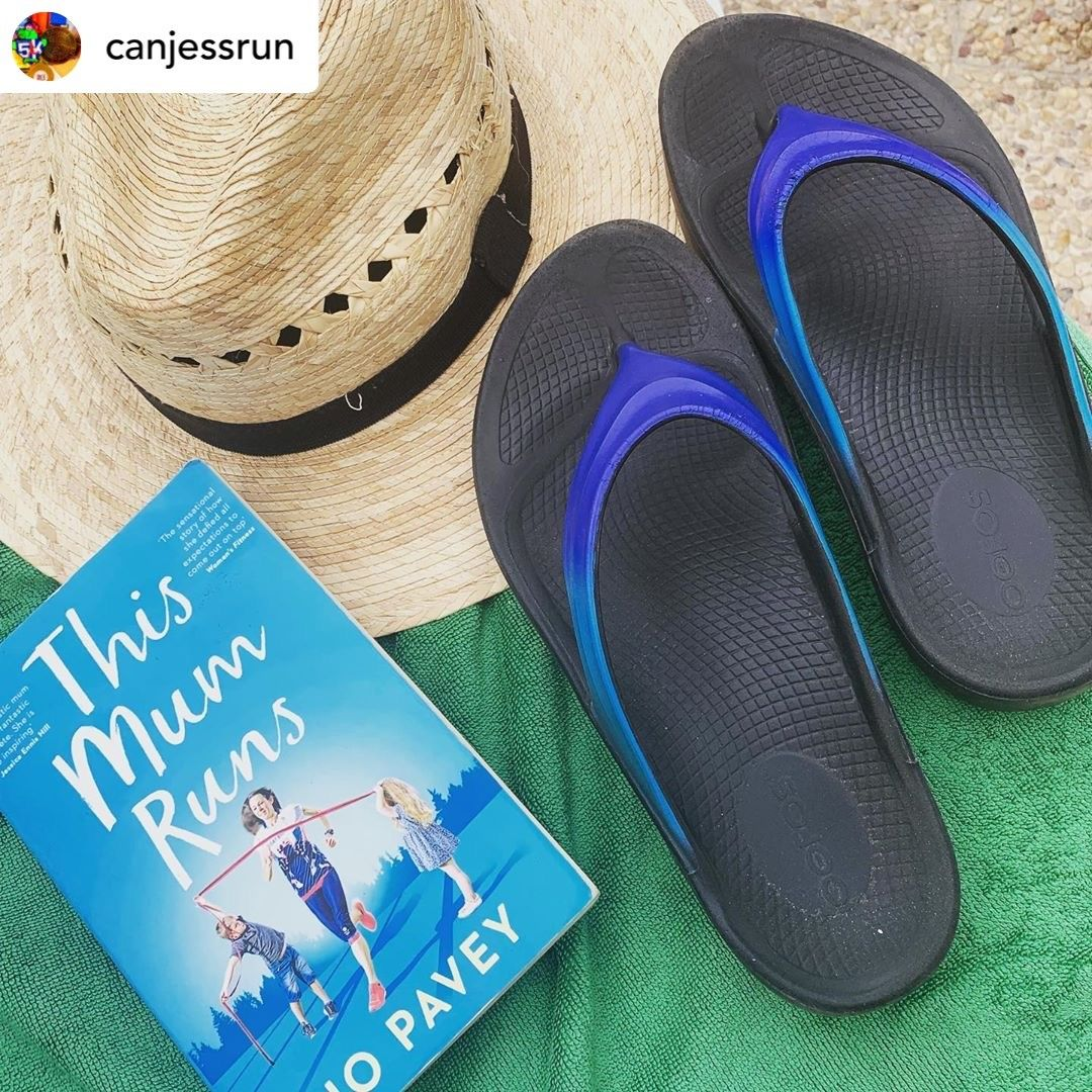 Summer's almost over; we're sad to say goodbye. Who's thinking of a fall getaway?  Be sure to take the essentials: a good read, a hat to keep the sun off your face, and #Oofos to keep those feet happy!  . #feeltheOO #readmorebooks #inspiration #running #recovery #fallvacation<br>http://pic.twitter.com/l9q9mUKfuj