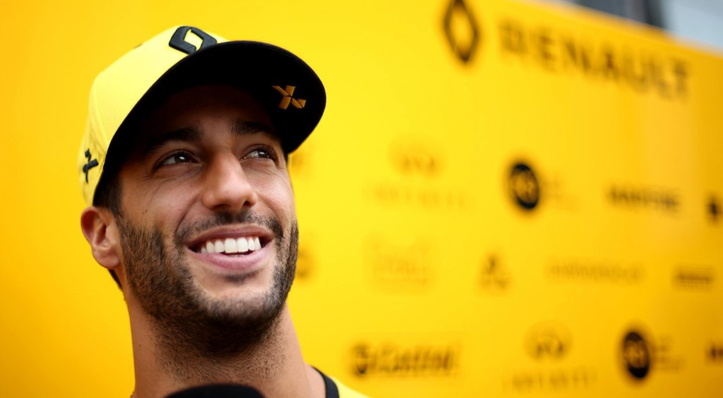 Light it up - Q&A with Daniel Ricciardo. @danielricciardo enjoyed a superb #ItalianGP 🇮🇹 #F1 by taking a deserved fourth place and a much-needed 12 points for the team. @RenaultF1Team #RSspirit #INFINITIF1 #InfinitiMSport  https://tinyurl.com/yyar469c