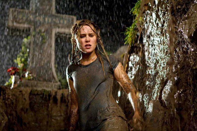 Happy 40th birthday to Alison Lohman, star of Sam Raimi\s vastly underrated DRAG ME TO HELL!